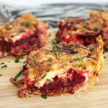 Beetroot and gorgonzola tart sprinkled with fresh chives