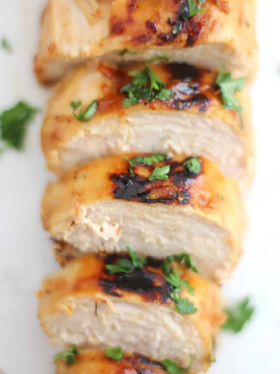Overhead shot of the sliced chicken breast.